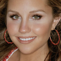 Amanda Laura Bynes Wallpaper